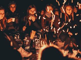 Агонията на социалното дистанциране за подрастващите
